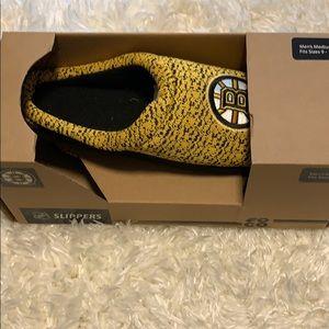 Shoes - Men's Boston Bruins slippers